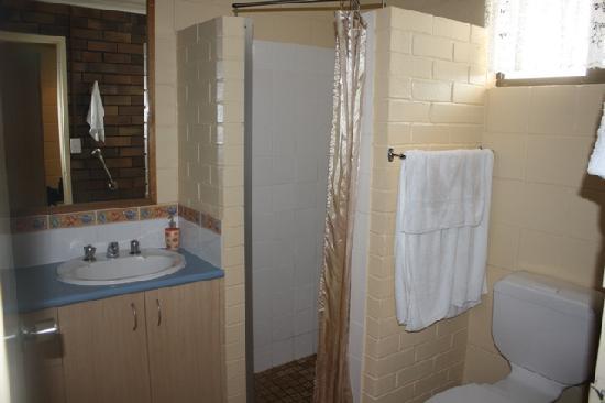 Pialba Motor Inn : Salle d'eau
