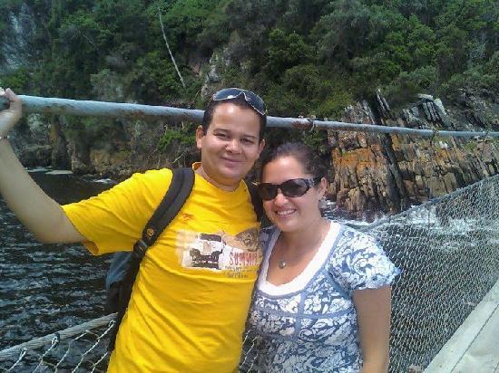 Tube 'n Axe Backpackers Lodge: on stormsriver swing bridge