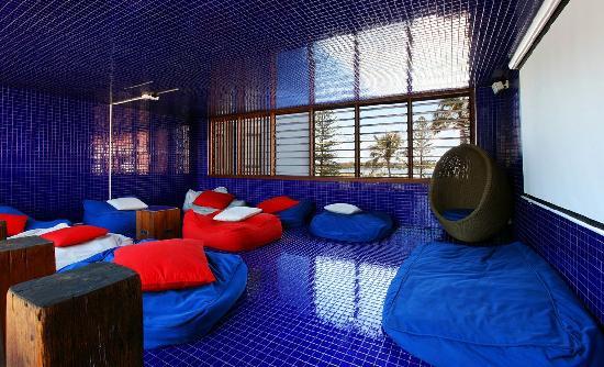 outdoor movie room - Picture of Komune Resort, Coolangatta - TripAdvisor