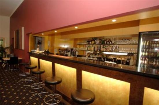 Red Bridge Motor Inn: Bar Area