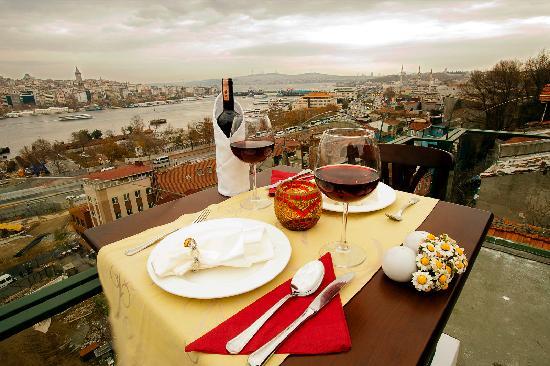 Hayriye Hanim Konagi Hotel: Terrace