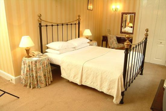 Chiseldon House: Typical Bed