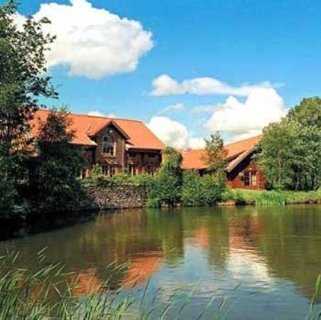 Chevin Country Park Hotel & Spa: Exterior