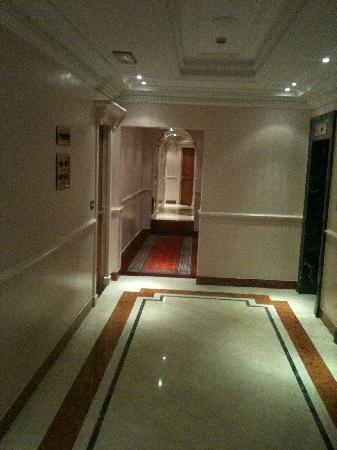Sofitel Rome Villa Borghese : couloir