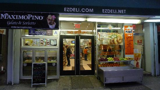 EZ Deli - can pick up bagel and light breakfast