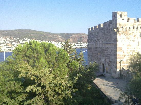 bodrum kalesi - Picture of Castle of St. Peter, Bodrum ...