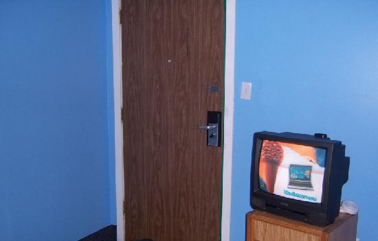 Central Hotel: door to the room
