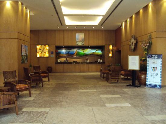 Alejandro I Hotel International Salta: 5-Salta-Hotel Alejandro I Internacional: Amplio lobby
