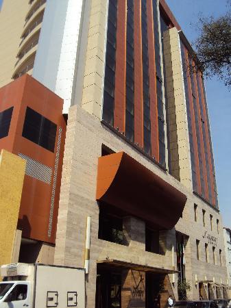 Alejandro I Hotel International Salta: 3-Salta-Hotel Alejandro I Internacional: Fachada frontal