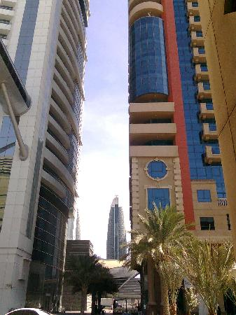 Al Salam Hotel Suites: Chelsea Tower on the left