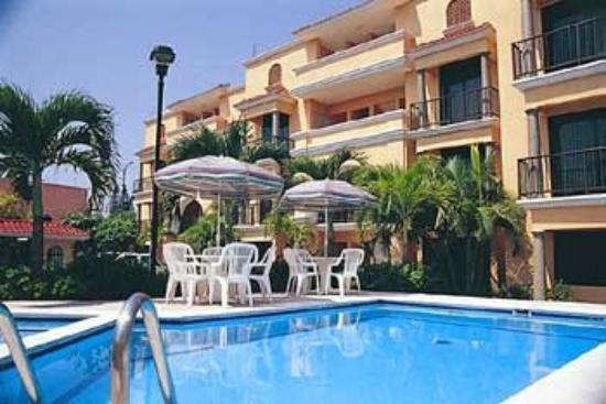 Hotel Paraiso Suites : Exterior