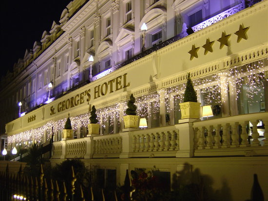St. George's Hotel: St Georges Hotel at Night