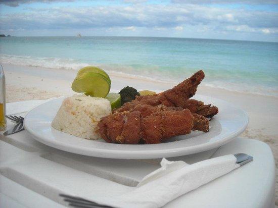 La Playa Xpu Ha Restaurant & Beach Club: Camarones rellenos con queso envueltos en panceta y fritos!