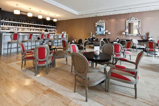 Hotel Baia Luanda: Bar Lobby