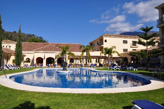 Gran Hotel Benahavís: Pisccina nell'albergo