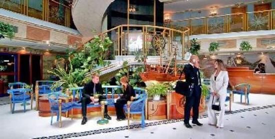 Beach Bay Hotel Muscat: Lobby