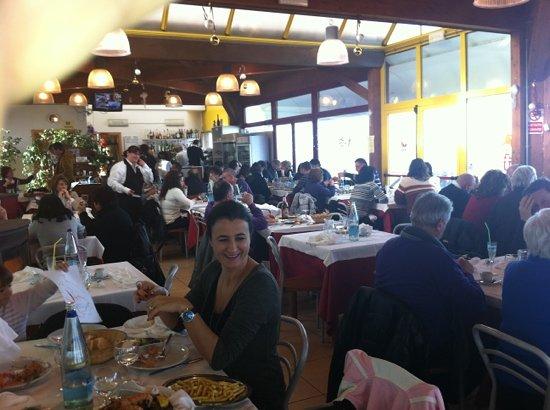 Marina di Montemarciano, Italy: ristorantino all'interno