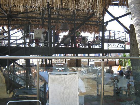 Hotel Tequendama Inn Santa Marta by Sercotel: Comedor del hotel con vista a la playa
