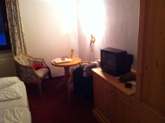 """Vitalhotel Lafairser Hof: TV set and """"lounge"""""""