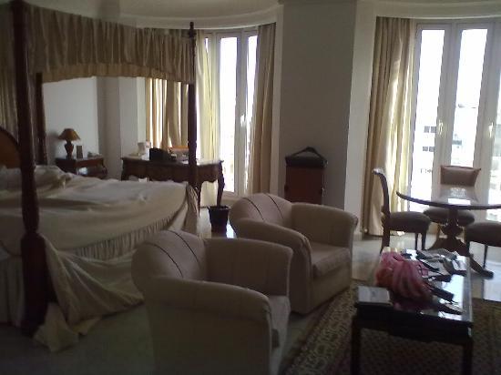 Hotel La Maison-Blanche: my room