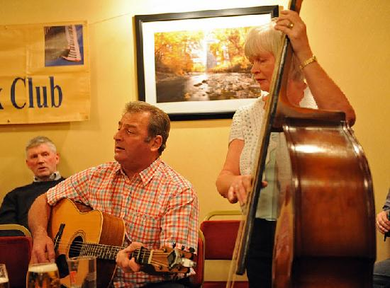 Adair Arms Hotel: The wife and I playing music