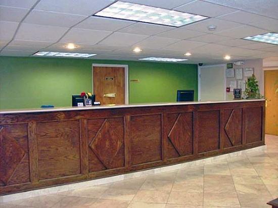 Motel 6 Gwinnett Center: MLobby
