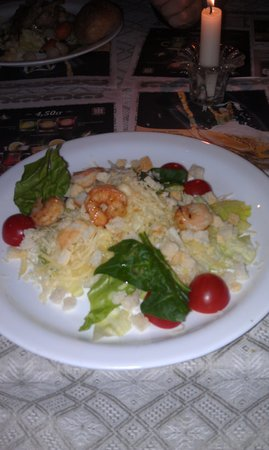 BerneliU Uzeiga: Salad with shrimps