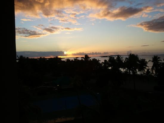 Hilton Ponce Golf & Casino Resort: Sunrise from our room
