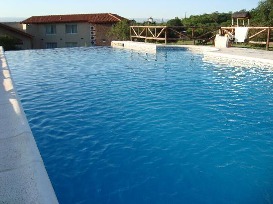 Posada La Sonada: La piscina