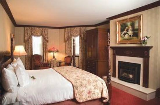 Prince of Wales: Deluxe Room
