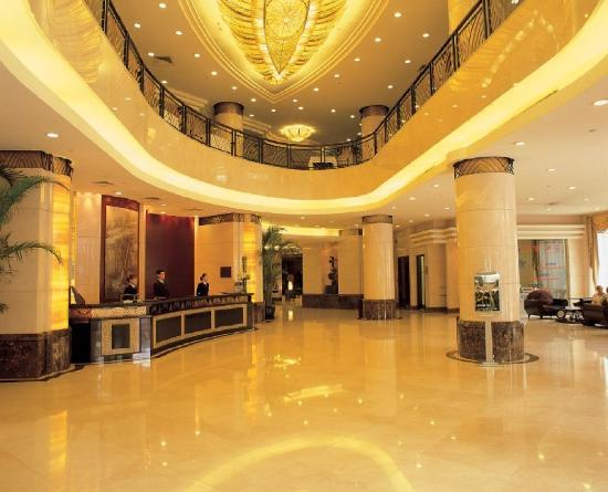 The Bund Hotel: -Lobby
