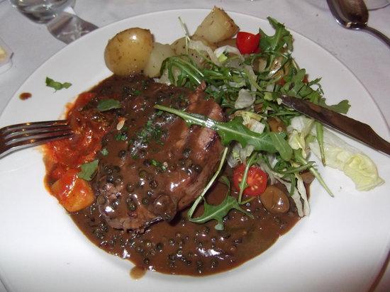 Pintonino: Angus beef with pepper sauce.