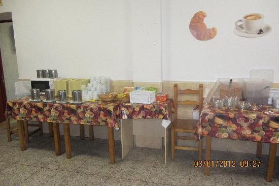 """Equity Point Madrid Hostel: il """"buffet"""""""
