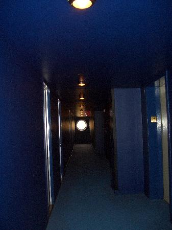 The Maritime Hotel: Corridor outside the room