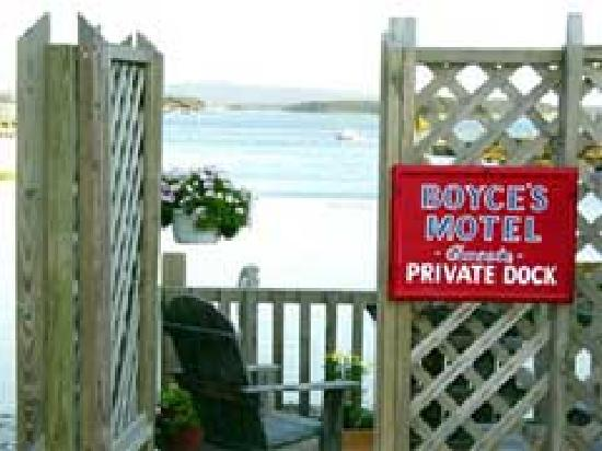 Boyce s Motel: Enjoy an afternoon watching the bustle of the harbor