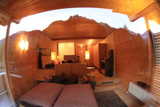 Zimmer mit blick bild von naturhotel waldklause for Zimmer mit blick