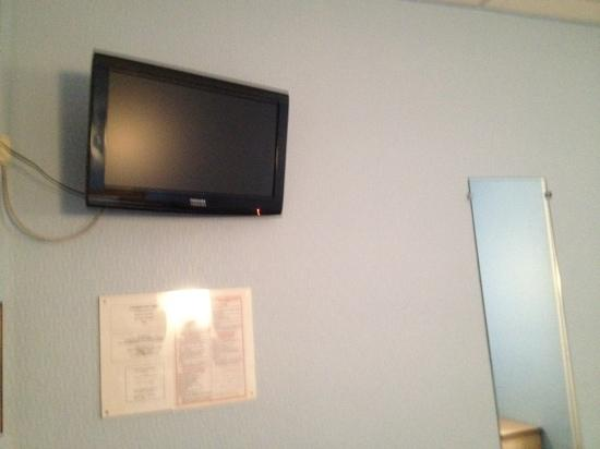 Hotel Adriatic: the LCD TV