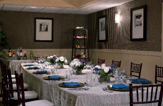 Banquet room picture of doubletree by hilton orlando for Best private dining rooms orlando