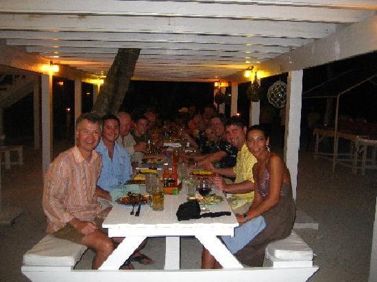 Turneffe Island Resort: BBQ dinner outside for the last night.