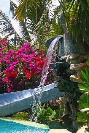 Katana Villa: Katana's cascade pool waterfall