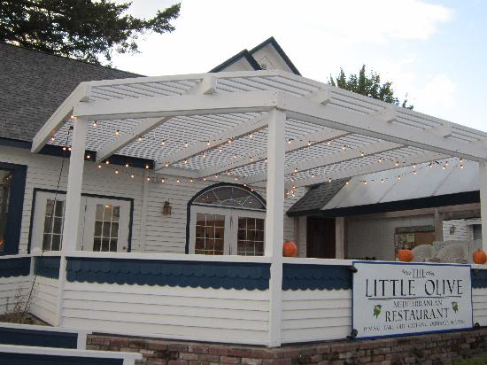 Little Olive Restaurant: Front view