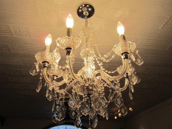 Little Olive Restaurant : mood lighting
