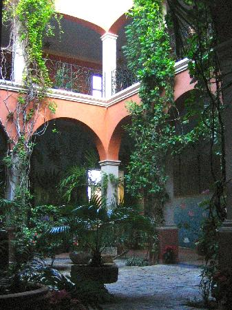 Hotel Casa San Angel: the inner courtyard