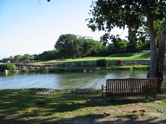 Tryall Golf Course : A signature Par 3