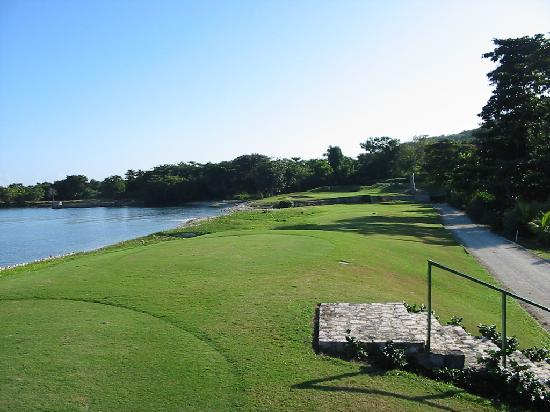 Tryall Golf Course : Remember the onshore breezes !