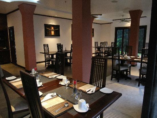 Khao Lak Riverside Resort & Spa: Ristorante