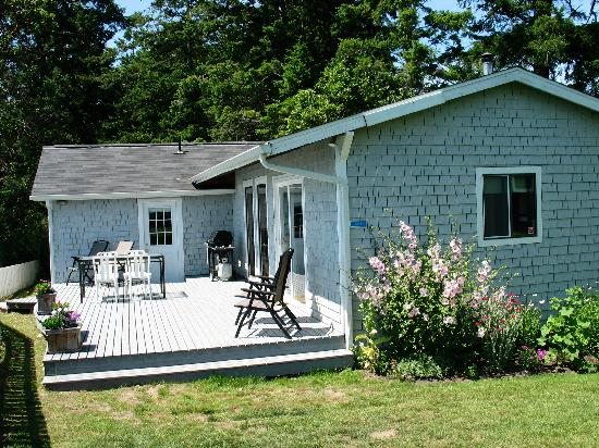 Chevy Chase Beach Cabins: Cabin #6: 2 bedrooms