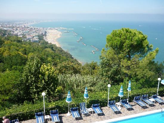 Hotel Posillipo Gabicce Monte: piscina