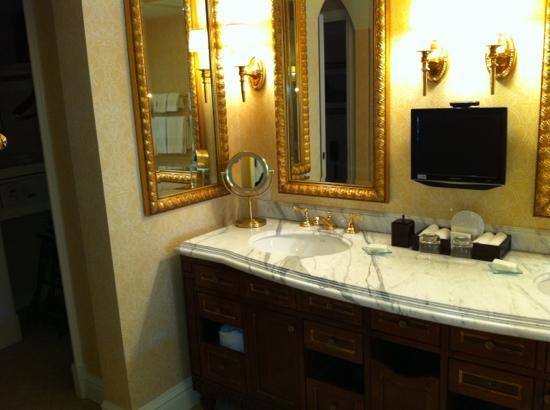 Fairmont Grand Del Mar: bathroom