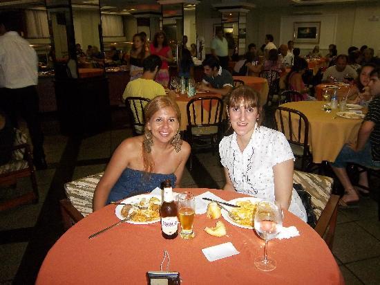San Rafael Hotel: con moni cenando en el hotel